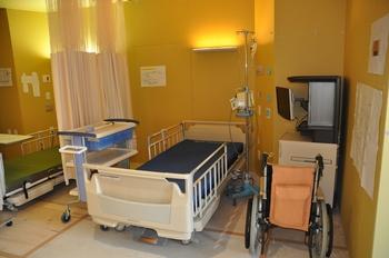 2面:建設・モデルルーム病室1.JPG